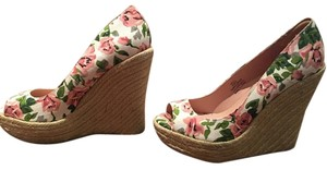 Betsey Johnson white with pink/coral flowers Wedges