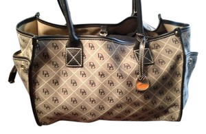 Dooney & Bourke Signature Tote in Gray and Black