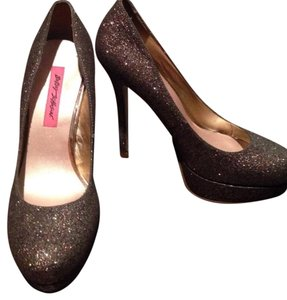 Betsey Johnson Charcoal/Glitter Pumps