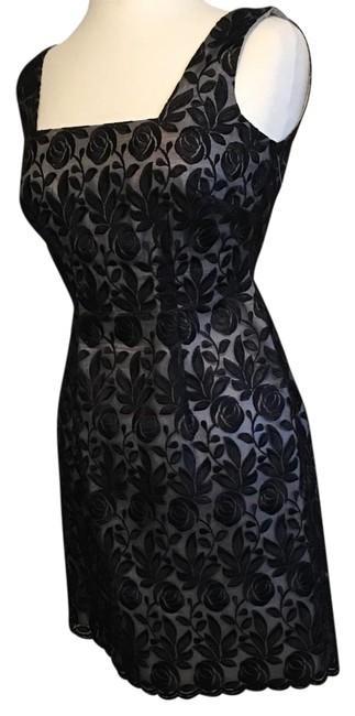 Chris McLaughlin Black Lace Over Silver Lining Above Knee Cocktail Dress Size 4 (S) Chris McLaughlin Black Lace Over Silver Lining Above Knee Cocktail Dress Size 4 (S) Image 1