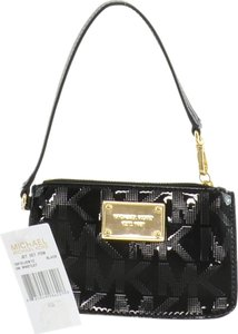 MICHAEL Michael Kors Wristlet in Black