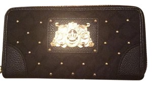 Juicy Couture Wristlet in Black/Gold