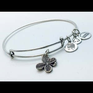 Alex and Ani Alex and Ani Lucky Clover EWB RS