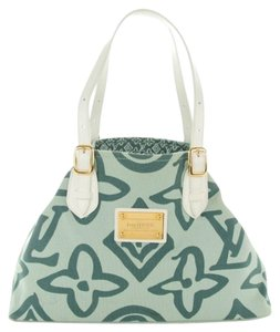 f449c3553c0 Green Louis Vuitton Bags - Up to 90% off at Tradesy