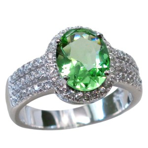 9.2.5 Gorgeous green peridot and white sapphire cocktail ring size 7