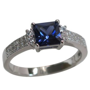 9.2.5 Stunning antique style blue and white sapphire cocktail ring size 6