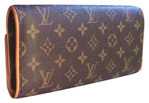 Louis Vuitton Crossbody Shoulder Brown Monogram Canvas Clutch