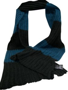 Collection Eighteen Urban Outfitter's Insanely warm cozy rib knit oblong scarf NWT $34