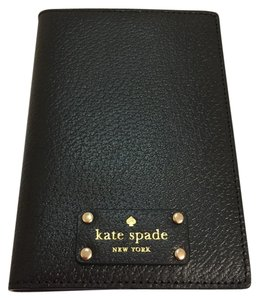 Kate Spade NEW!!! WELLESLEY PASSPORT HOLDER
