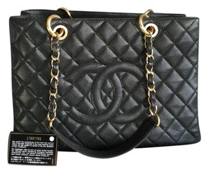 Chanel Gst Caviar Tote in Black