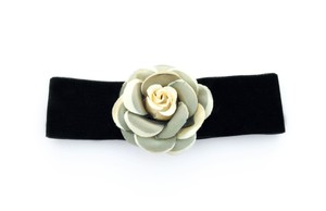Other Green and Yellow Rose Velvet Choker Necklace