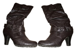 Guess Size 7.5 brown Boots