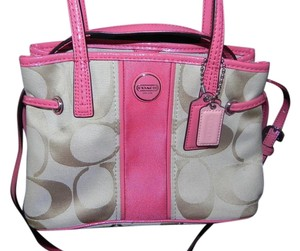 Coach Tote in Khaki Tan/Passion Berry Pink