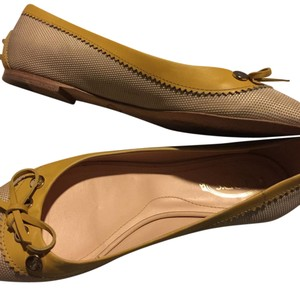 Tod's Beige/yellow Flats