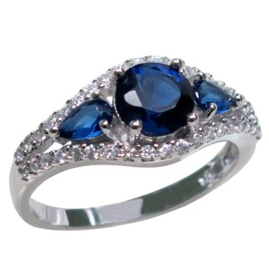 9.2.5 Gorgeous blue and white sapphire cocktail ring size 8