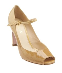 Prada Tan Patent Leather Beige Pumps