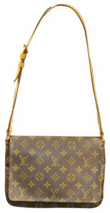 Louis Vuitton Burberry Celine Gucci Chanel Tote Messenger Bag