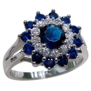 9.2.5 Stunning blue sapphire flower cocktail ring size 7