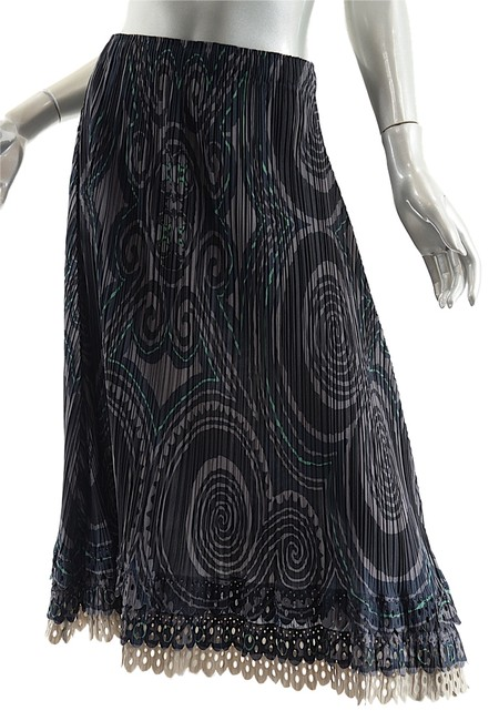 Preload https://img-static.tradesy.com/item/2008680/issey-miyake-black-grey-green-taupe-fete-blackgraygreen-geometric-polyester-pleated-midi-skirt-size-0-0-650-650.jpg