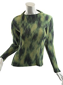 Issey Miyake Top Green-Multi Color