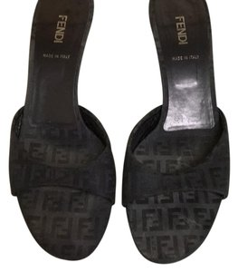Fendi Black Logo Sandals