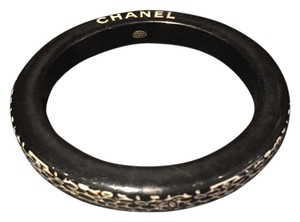 Chanel Chanel Black And White Resin Bangle
