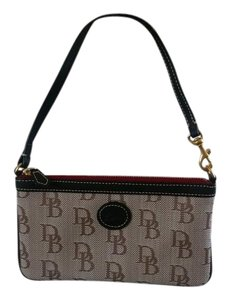 Dooney & Bourke Wristlet in Black/cream