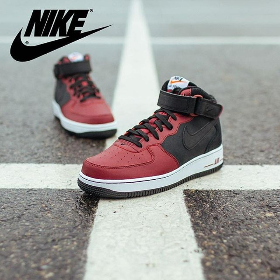 Nike Boys Sneakers Unisex Sneakers Girls Basketball Boys Basketball Fashion Sneakers  Black and burgundy Athletic Image. 12345. 1 ∕ 5 4c416dc4e