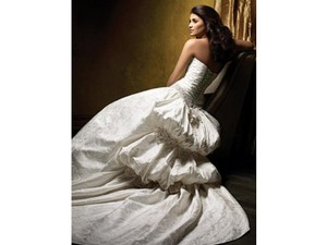 447 Wedding Dress