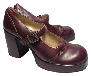 Mudd Burgandy Pumps