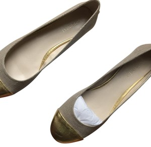 Nine West Beige and gold Flats