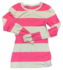 Old Navy T Shirt Pink and cream