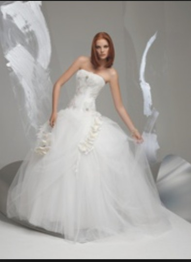 Preload https://img-static.tradesy.com/item/20090894/st-pucchi-white-lace-tulle-taffeta-corset-an110-ballgown-strapless-3d-flowers-sz810-sexy-wedding-dre-0-26-540-540.jpg