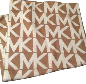 "MICHAEL Michael Kors NWT Michael Kors Tan And White MK Logo Ladies Infinity Scarf - 68""x15"" Size"