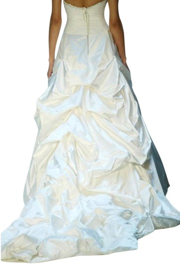 Justina McCaffrey Pearl Offwhite White Silk Satin Tulle Jubilate 1809 Ruched Low Back Strapless Full 8/10 Feminine Wedding Dress Size 8 (M) Image 10