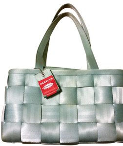 Harveys Seatbelt Wallet Included Tote in Mint