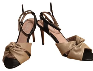 Topshop Tan Leather with Black leather strap Pumps