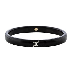 Chanel Black resin Chanel interlocking CC logo heart bangle