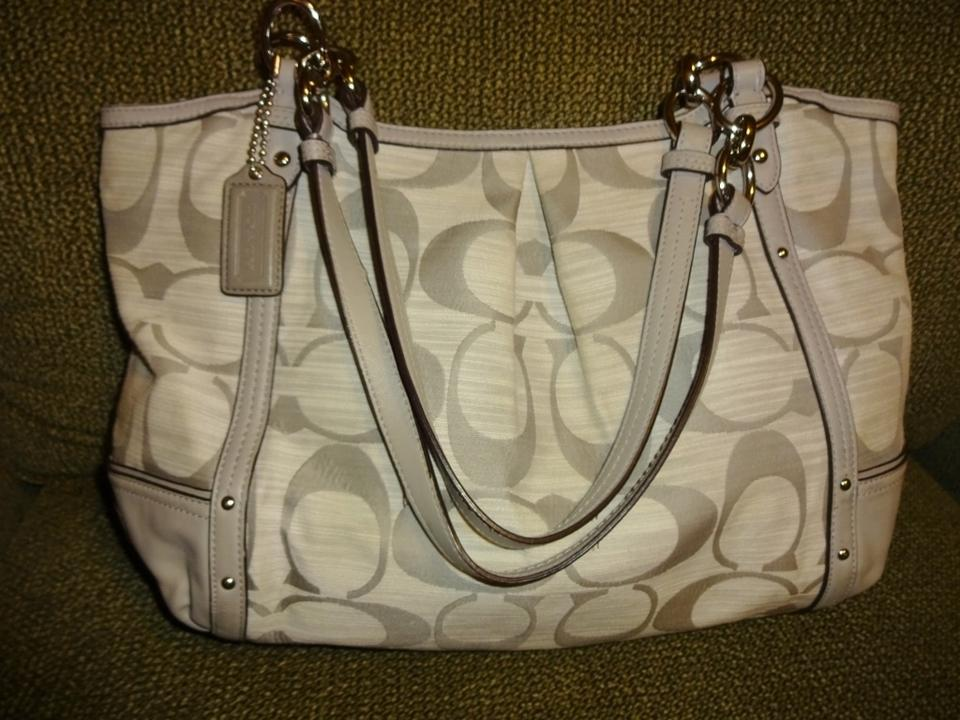 d80ab08bd5 Coach Alexandra ~ Signature Shantung Chain 21919 Light Gray Canvas Tote -  Tradesy