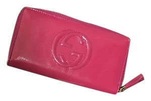 Gucci Soho Vernice Fushia Patent Leather Wallet