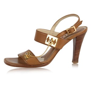 Marni Cognac Chain Detail Gold Hardware Italian Leather Tan Pumps