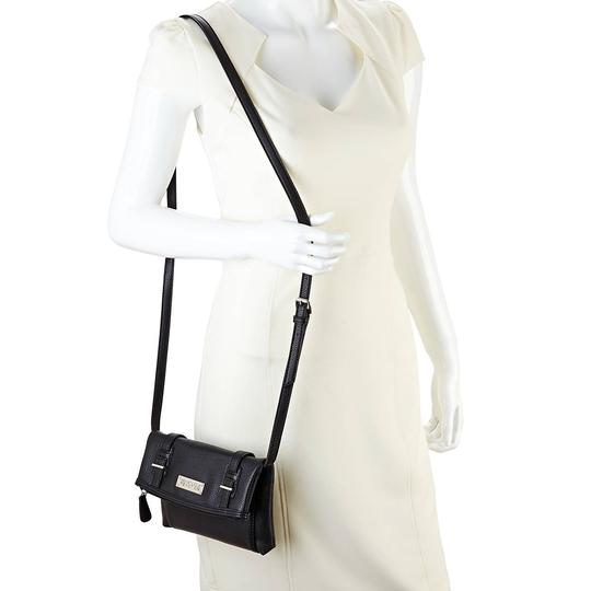 Kenneth Cole Reaction Cross Body Bag Image 11