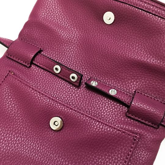 Kenneth Cole Reaction Cross Body Bag Image 3