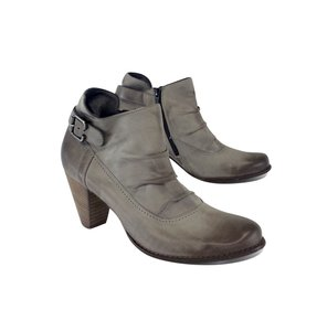 Paul Green Grey Pleated Leather Ankle Boots
