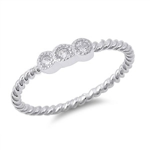 9.2.5 Cute 3 stone white sapphire rope band ring size 6