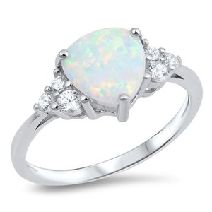 9.2.5 Unique opal and white sapphire cocktail ring size 9