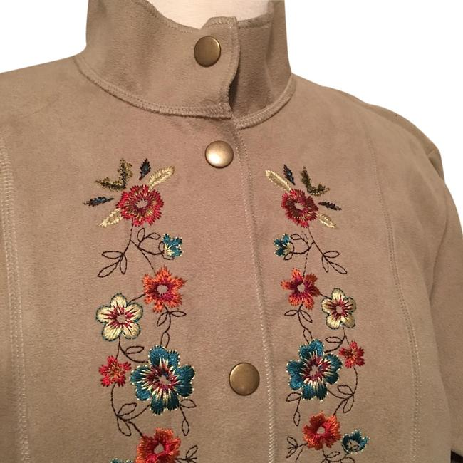 Preload https://img-static.tradesy.com/item/20094514/susan-bristol-tan-suede-embroidered-trench-coat-size-8-m-0-1-650-650.jpg