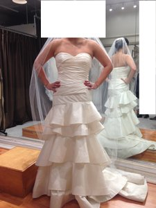 Oscar De La Renta 22n07 Wedding Dress