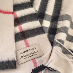 Burberry Brand New Giant-Check Cashmere Scarf