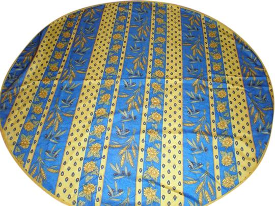 Preload https://img-static.tradesy.com/item/20095021/blue-and-yellow-new-excellent-condition-provence-tablecloth-0-2-540-540.jpg